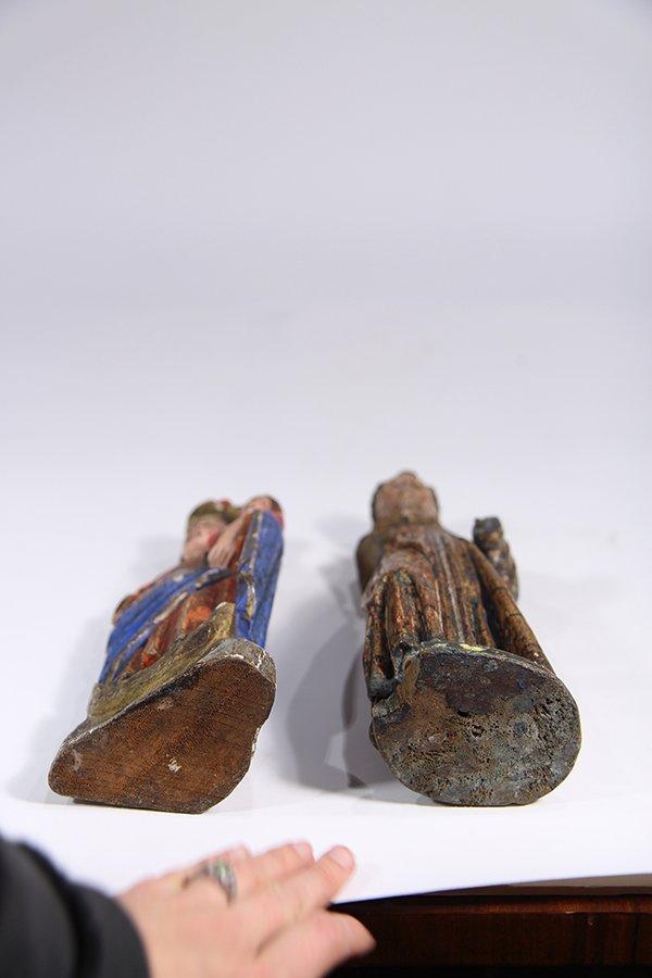 (lot of 2) Meso-American carved wood Santos figures, - 5
