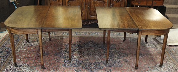 Georgian style walnut dining table 19th century, having - 2