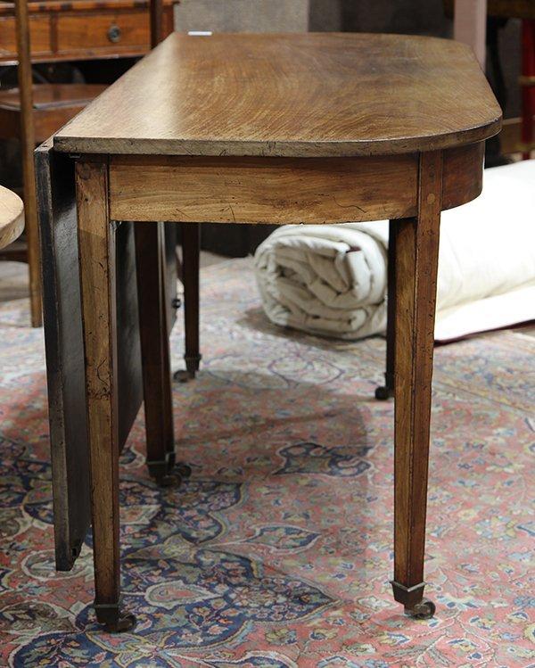 Georgian style walnut dining table 19th century, having - 4