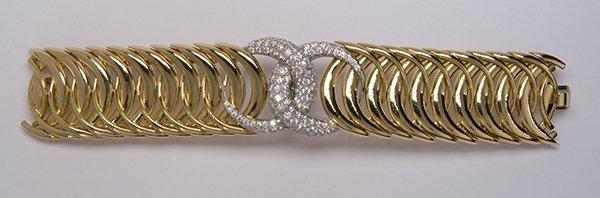 "Verdura ""Double Crescent"" diamond, 18K yellow gold and - 8"