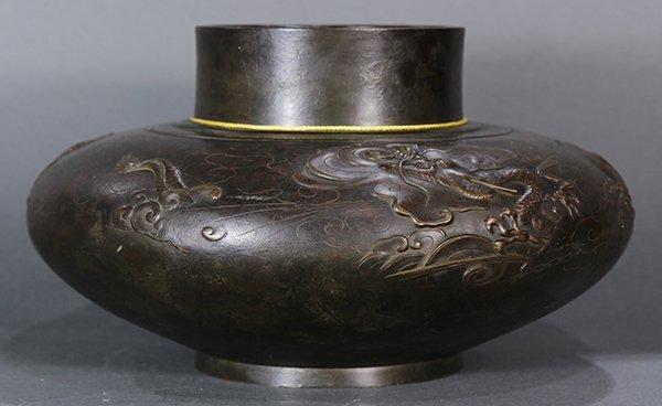Japanese  Large Bronze  vase/jar - 3