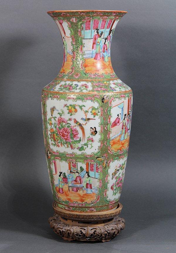 Chinese Rose Medallion Vase - 4