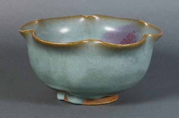 Chinese Jun-type Foliate Rim Bowl - 2