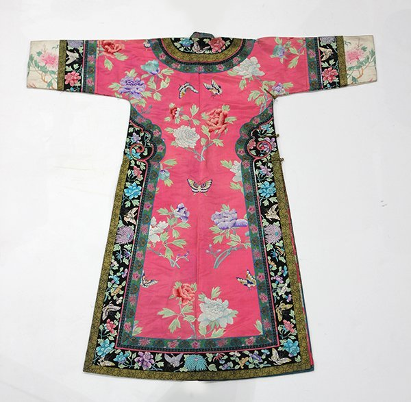 Chinese/Manchu Pink Ground Robe - 3