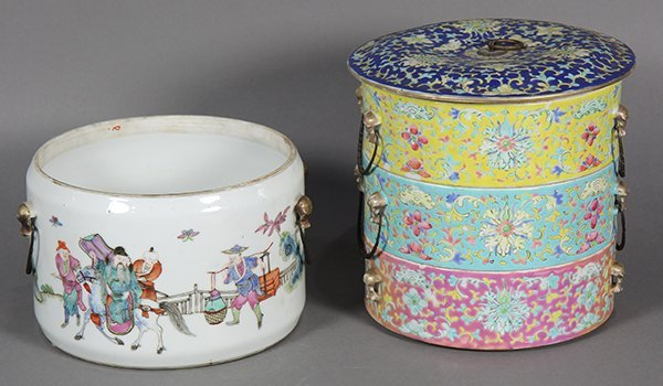 Two Chinese Porcelain Containers - 3