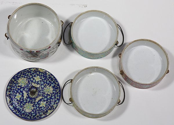 Two Chinese Porcelain Containers - 5