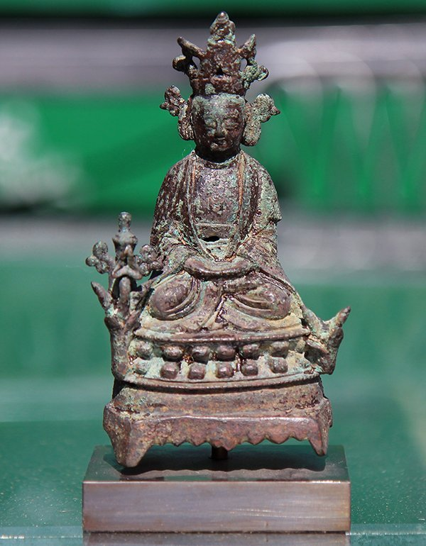 Chinese Bronze Sculpture of a Deity - 2