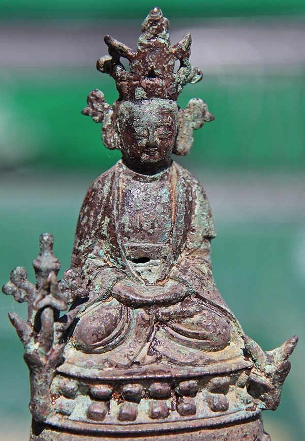 Chinese Bronze Sculpture of a Deity - 8