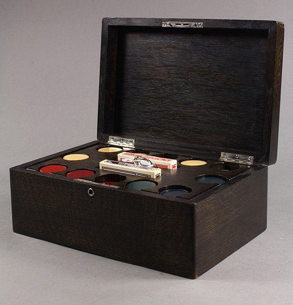 Poker set, the wenge wood box with a monogrammed lid