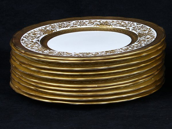 (lot of 32) Continental porcelain and gilt plates - 2