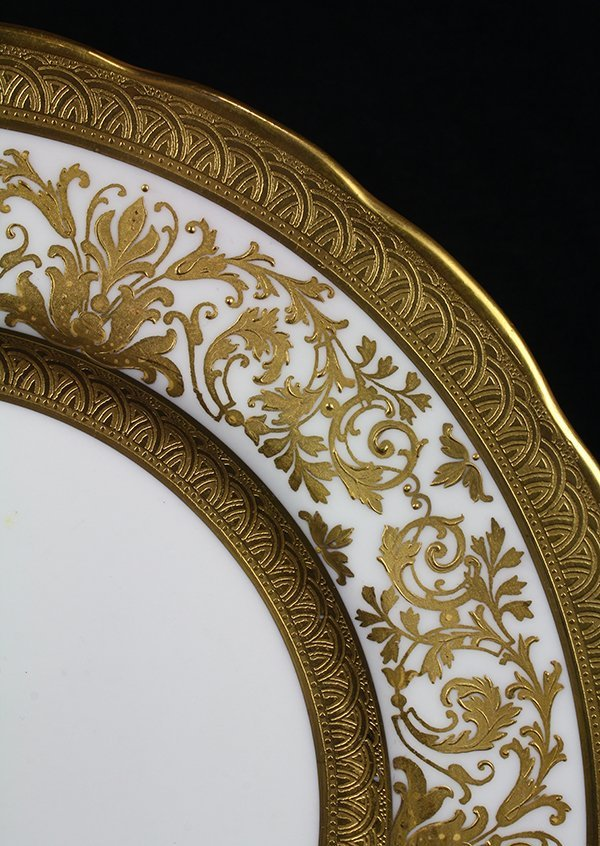 (lot of 32) Continental porcelain and gilt plates - 3