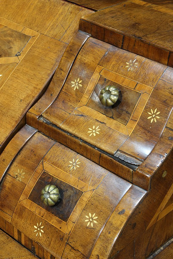 German Baroque walnut and mixed hardwood marquetry - 7