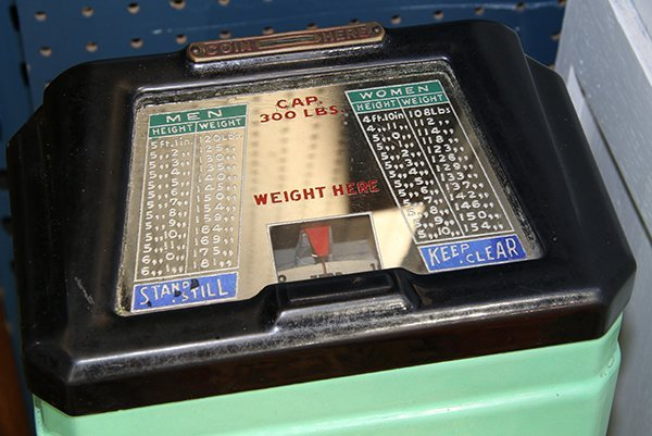 Rock-ola Loboy Personal Weight coin-op scale, having a - 2