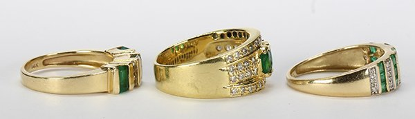 (Lot of 3) Emerald, diamond and yellow gold rings - 2