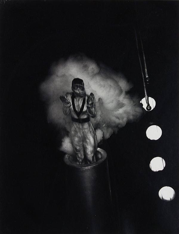 Photograph, Weegee, Human cannonball