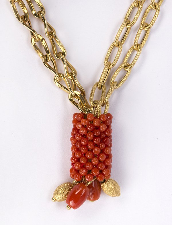 Coral and 18k yellow gold necklace