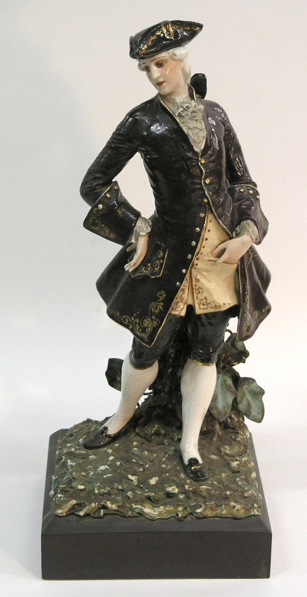 569: 18th Century Porcelain Dandy Figure