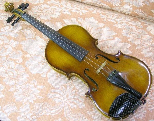 2447: Anton Becker Violin, Germany - 2