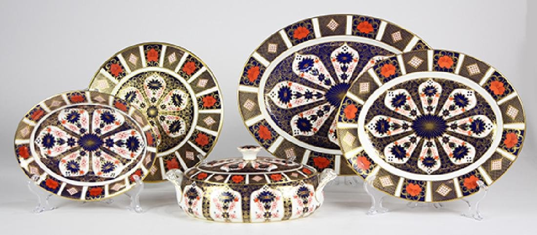 (Lot of 5) Royal Crown Derby Imari table serving