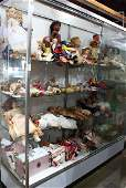 (Lot of 50+) Doll group, consisting of felted,