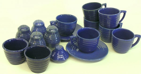4016: Lot of Bauer ringware Blue