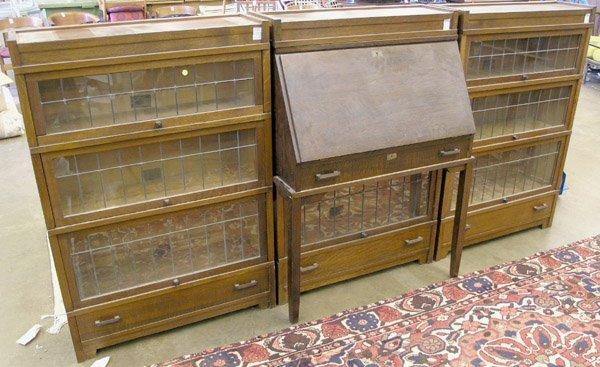 4133: Globe-Wernicke oak library set