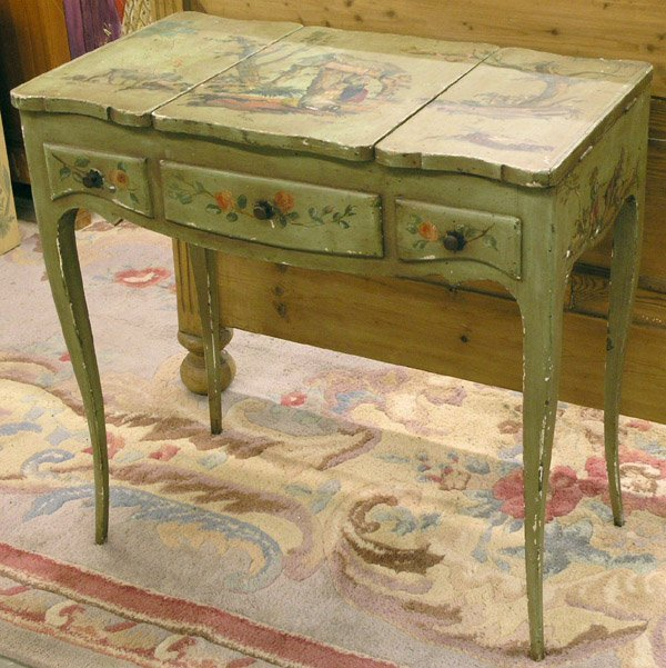 4213: French decorated dressing table