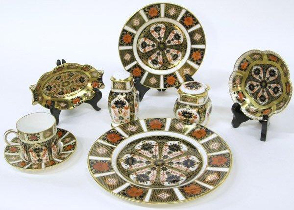 6017: Royal Crown Derby Old Imari Porcelain