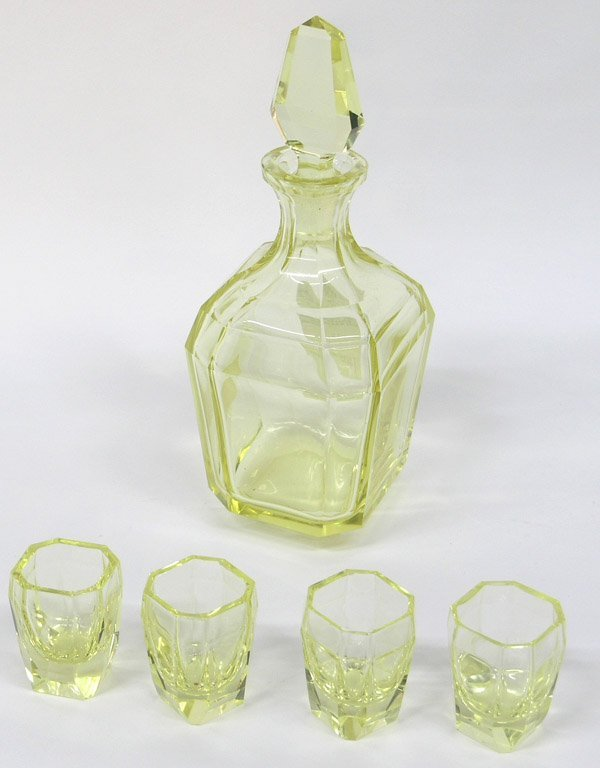 6020: Art Deco Crystal Cordial chartreuse