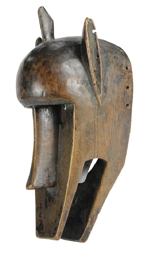 Elegant and abstract mask depicting a hyena or