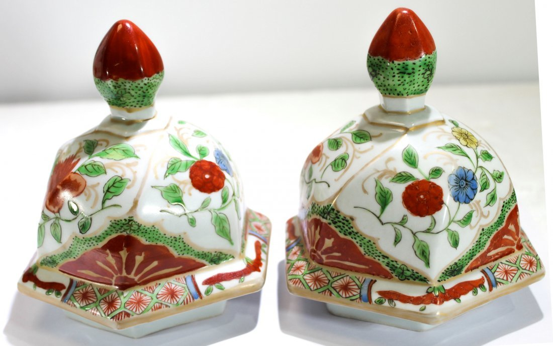 Pr. Japanese kakiemon style porcelain jars - 4