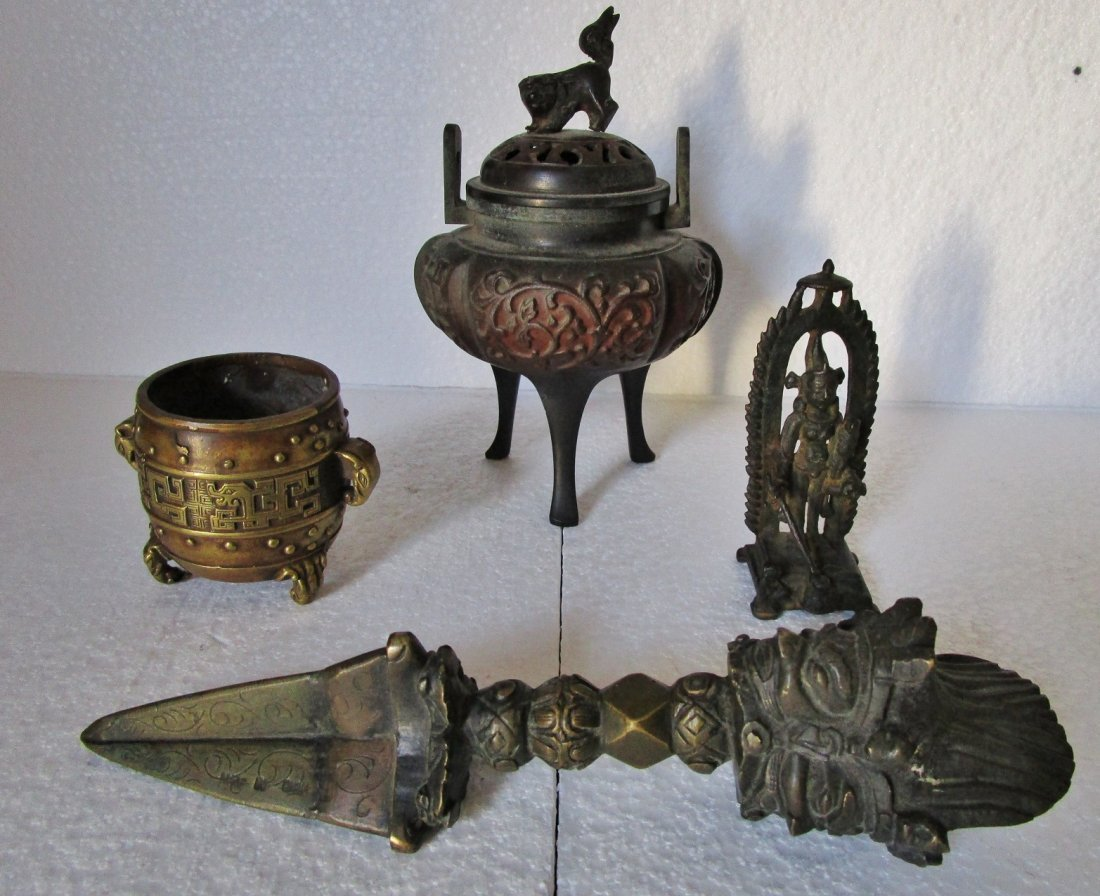 Group of Chinese & Asian bronze objects