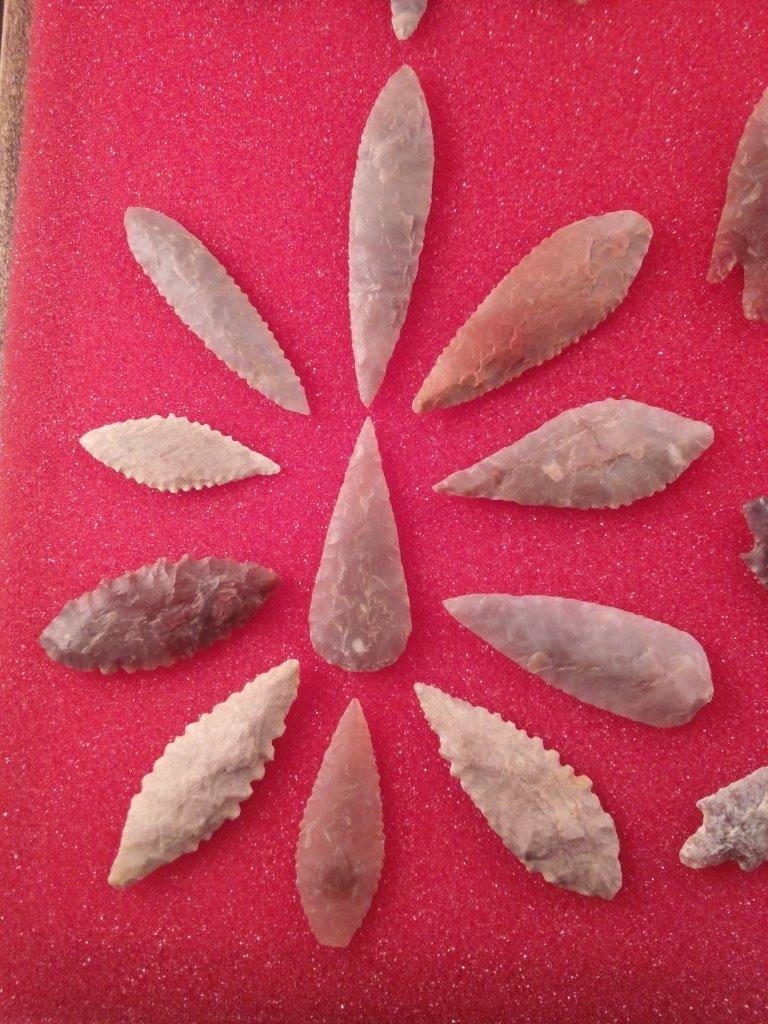 75 NEOLITHIC POINTS - 7
