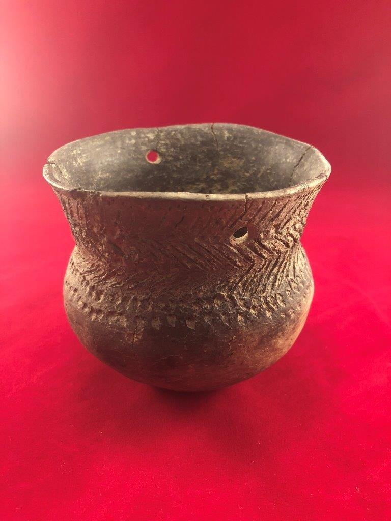 CADDO JAR  INDIAN ARTIFACT ARROWHEAD