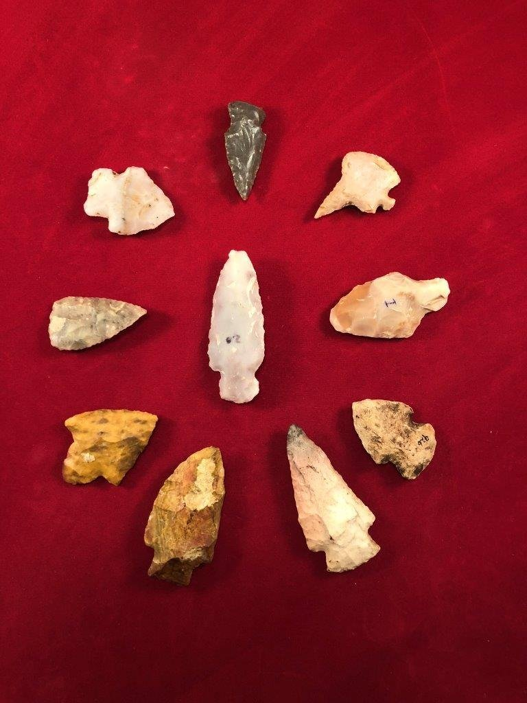 GROUP OF 10 POINTS     INDIAN ARTIFACT ARROWHEAD - 2
