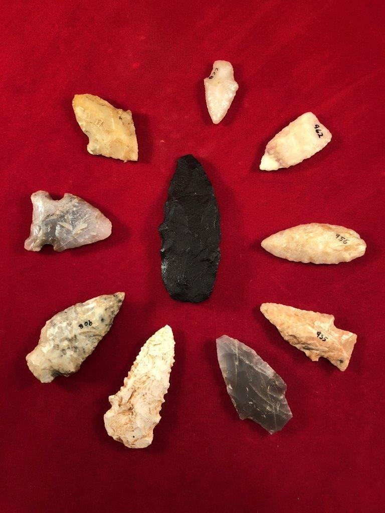 GROUP OF 10 POINTS     INDIAN ARTIFACT ARROWHEAD