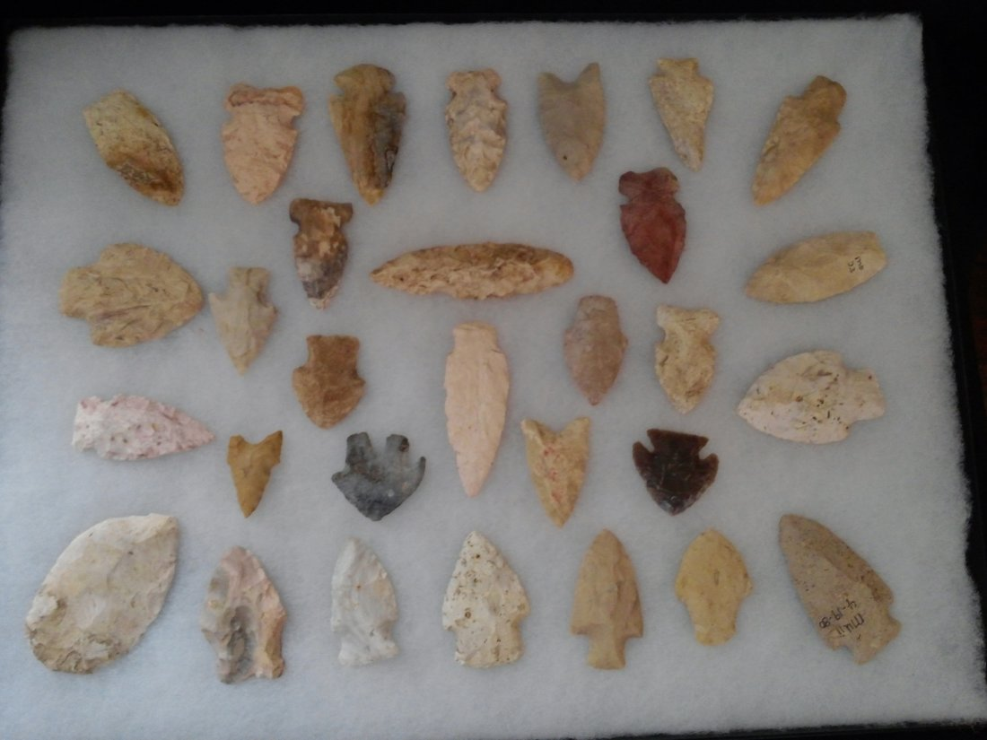 30 MISSOURI ARROWHEADS INDIAN ARTIFACTS