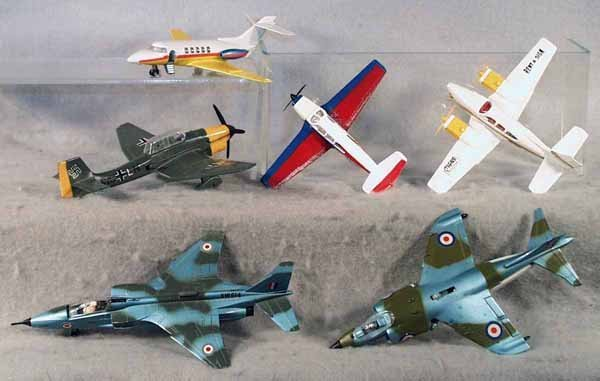 1: 6 DINKY AIRPLANES