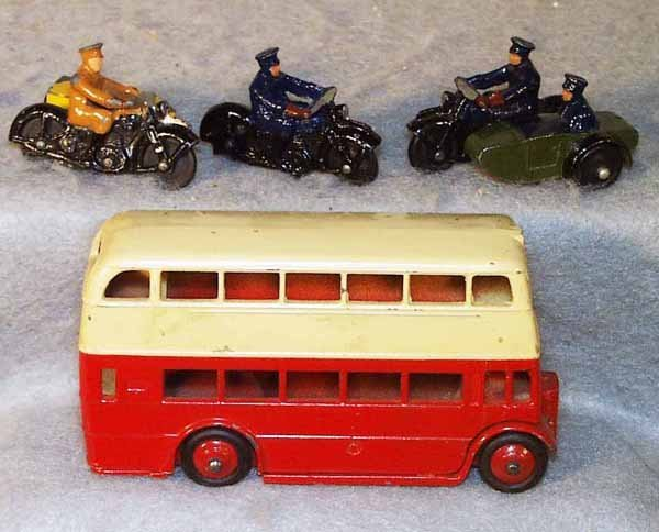 4: 4 DINKY VEHICLES