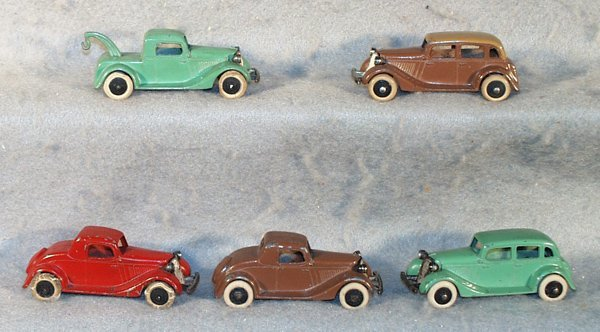 19: 5 TOOTSIETOY FORDS