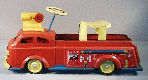 21: WYANDOTTE RIDE-ON FIRE ENGINE