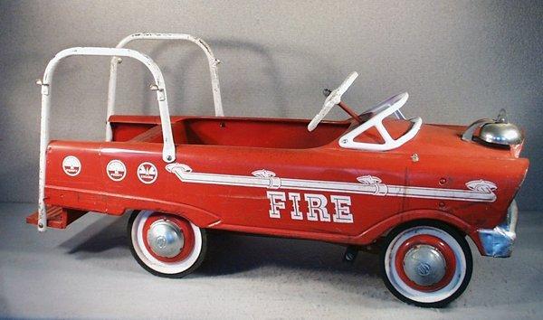 22: MURRAY FIRE ENGINE PEDAL CAR