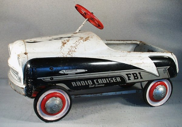 23: MURRAY FBI RADIO CRUISER PEDAL CAR