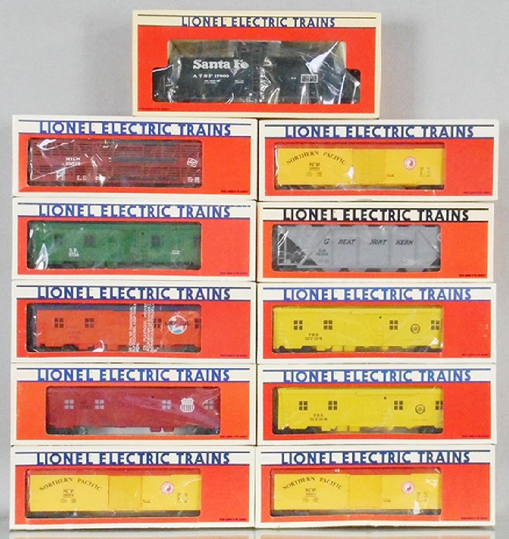 11 LIONEL FREIGHT CARS