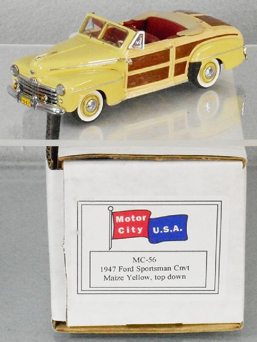 MOTOR CITY USA MC56 1947 FORD SPORTSMAN CONV