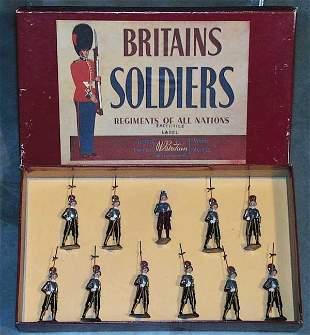 022: BRITAINS SET 9371 PAPAL SWISS GUARDS