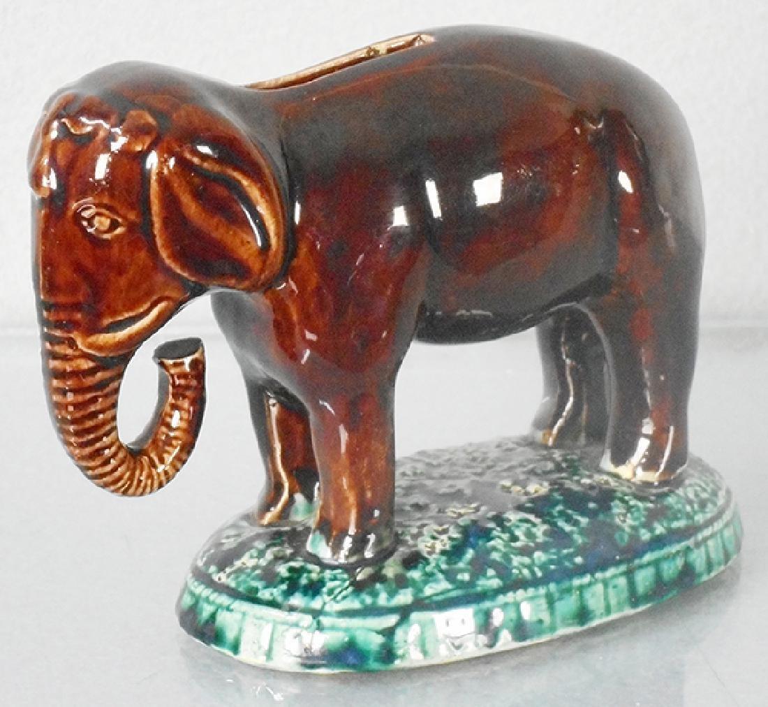 ELEPHANT ON BASE BANK