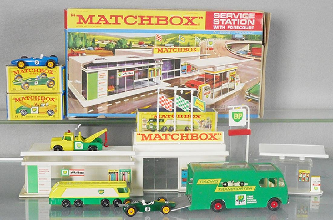 MATCHBOX SERVICE STATION LOT