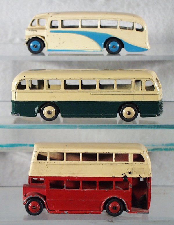 34: 3 DINKY BUSES