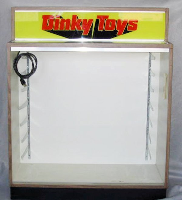 161: DINKY STORE DISPLAY CASE